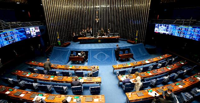 Senado pretende financiar programas para ajudar setores como bares e restaurantes